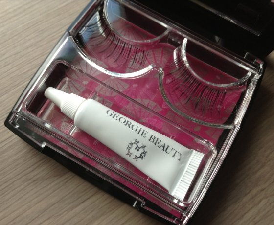 POPSUGAR Must Have Special Edition Holiday Box Review Eye Lashes