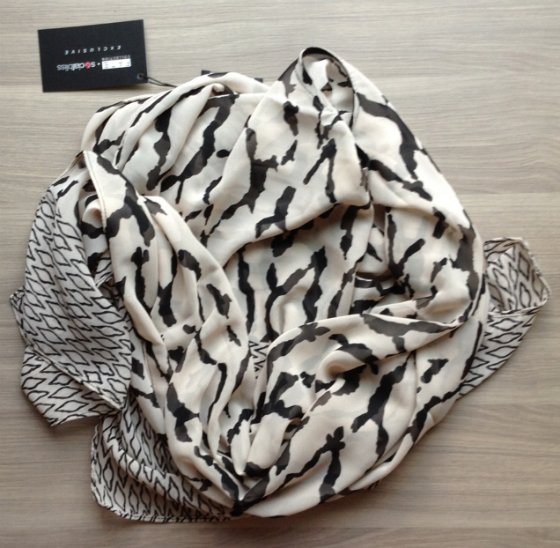 SocialBliss The Style Box Subscription Review – June 2014 Scarf