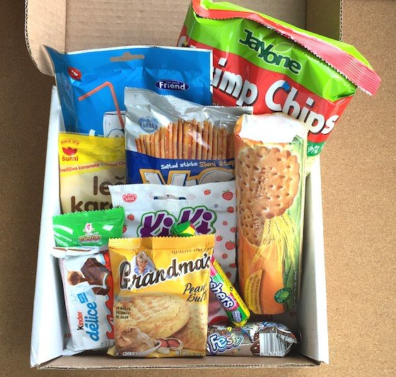 MunchPak Subscription Box Review - May 2015 - Contents