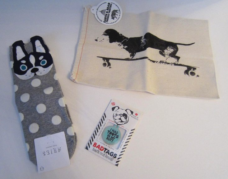 dogpeoplebox-july-2016-socks