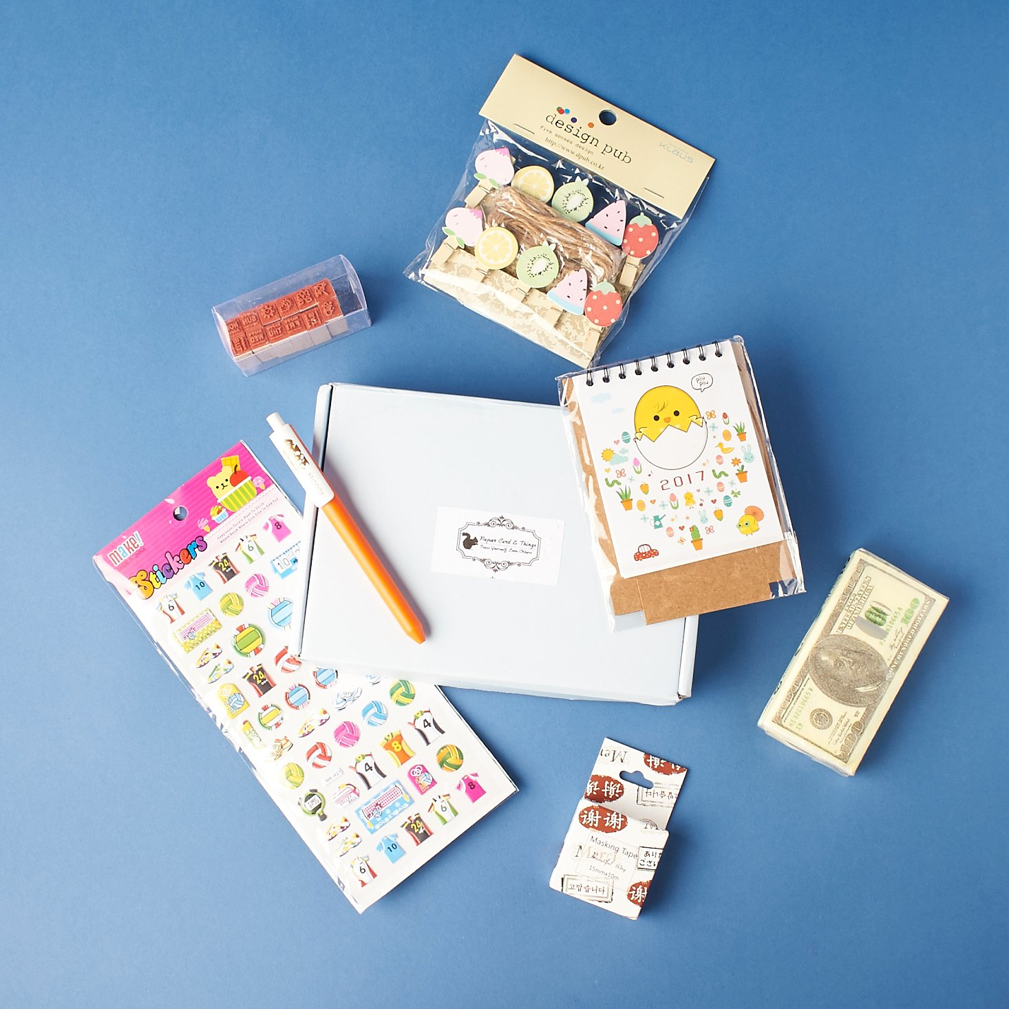 Read our review of the January 2017 Paper Card & Things box!