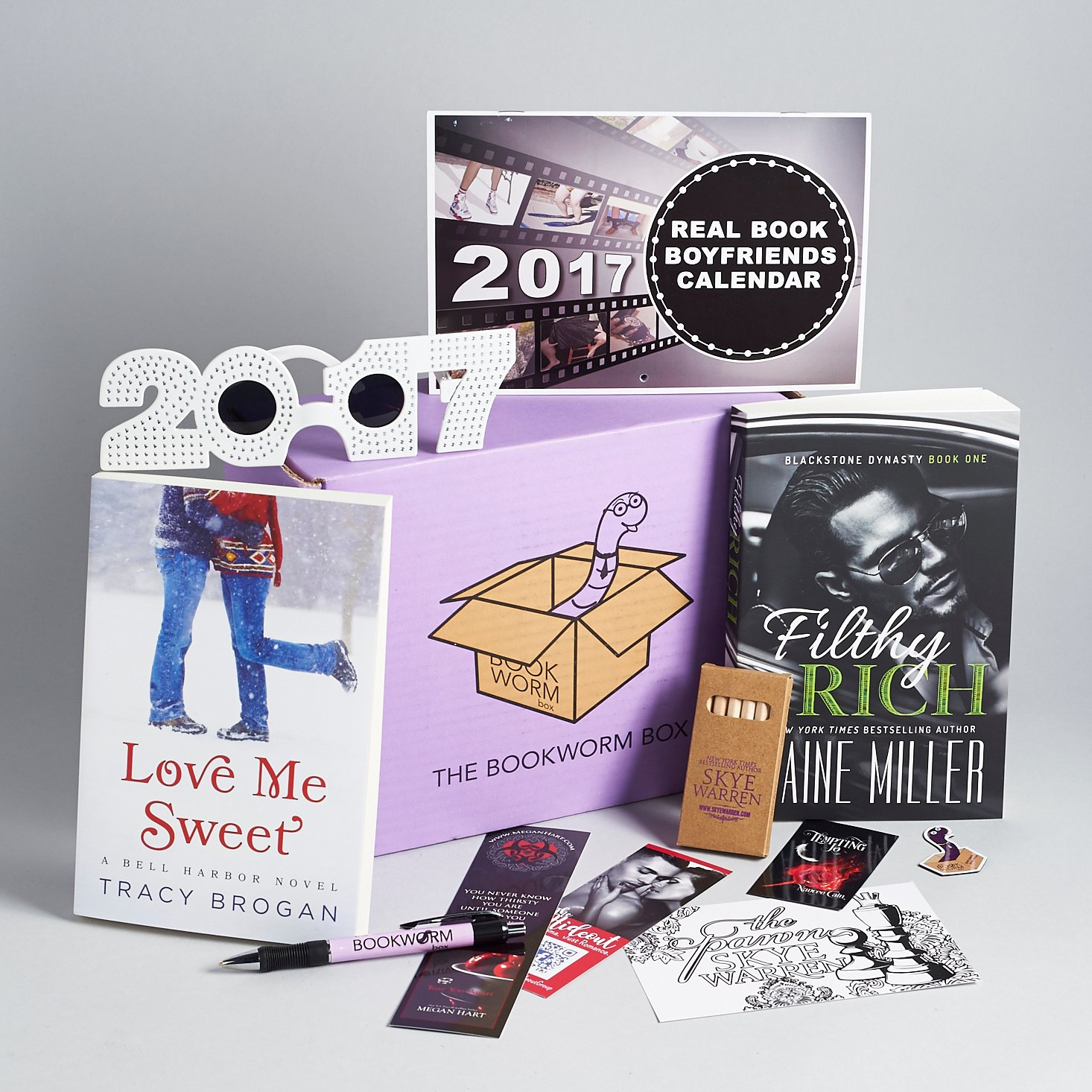 Read our review of the December 2016 Bookworm Box!