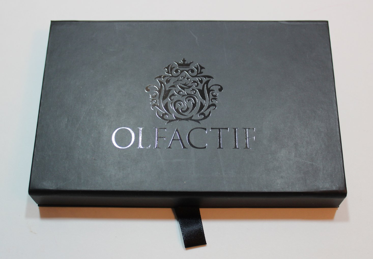 olfactif-january-2017-black-case