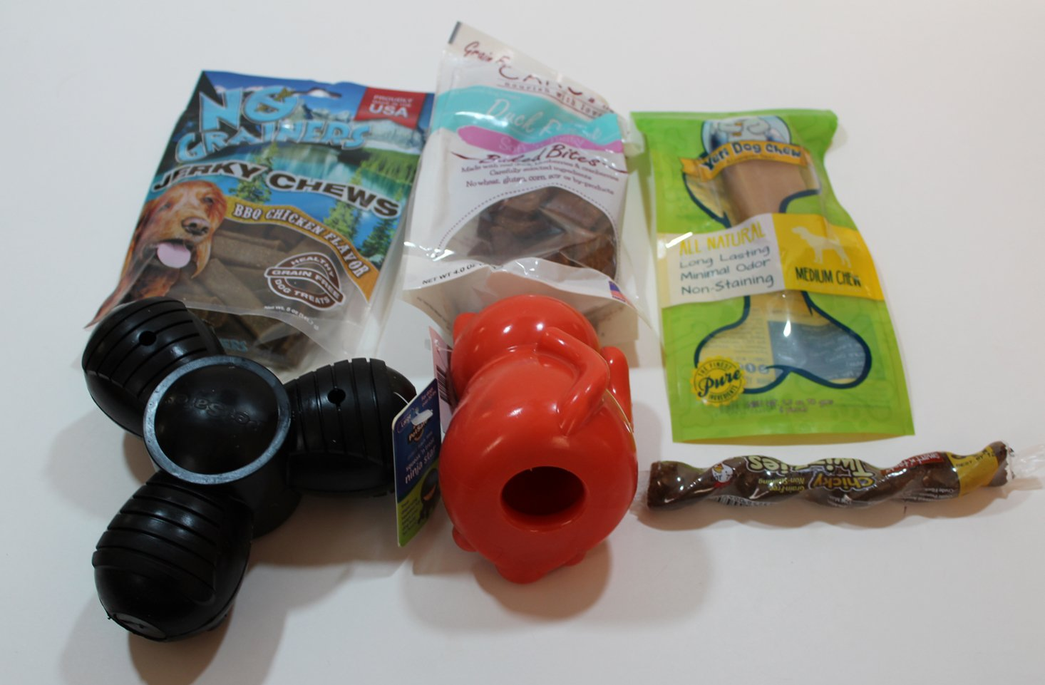 barkbox-super-chewer-march-2017-review