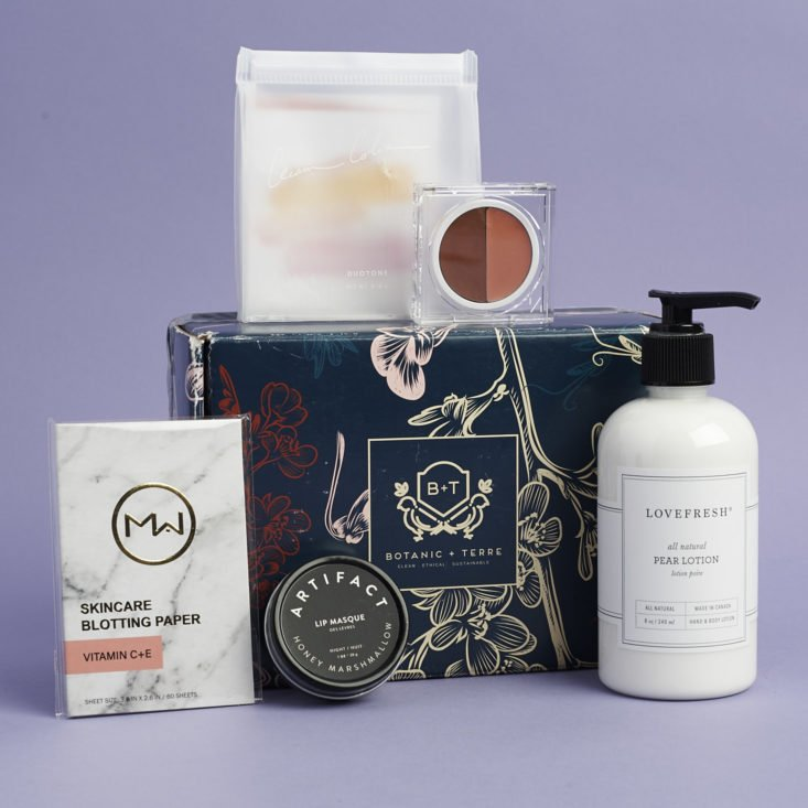 full contents of november/december 2017 botanic and terre box