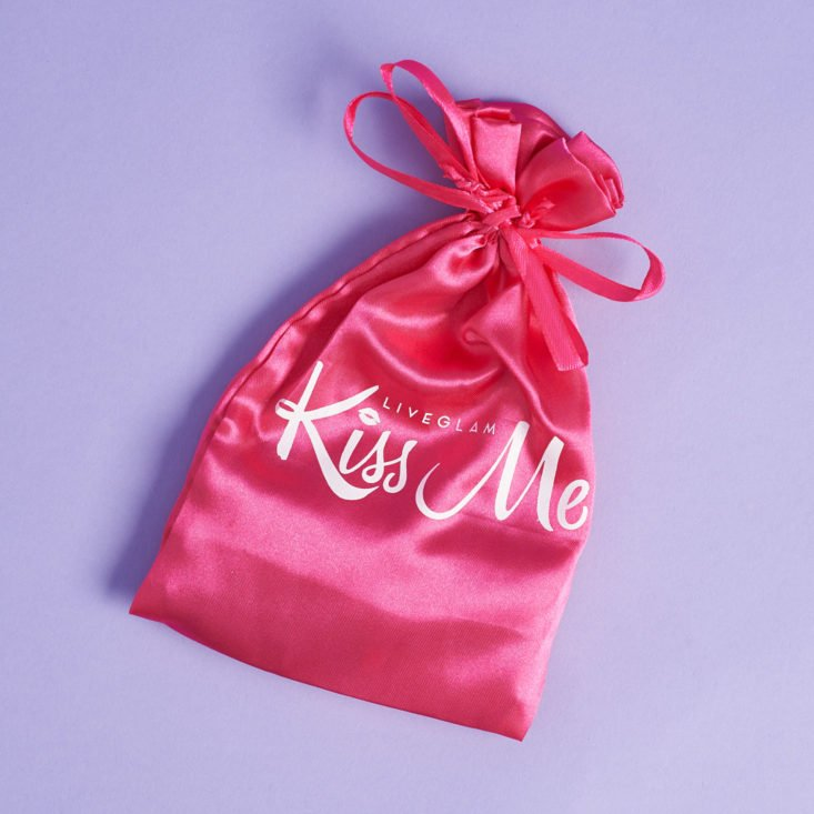 LiveGlam KissMe March 2019 pouch