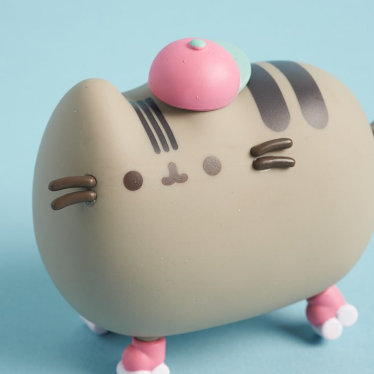 close up of Rollerskating Pusheen figure